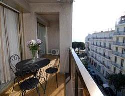 Aparthotel beach mediterran e r sidence juan les pins for Appart hotel mediterranee